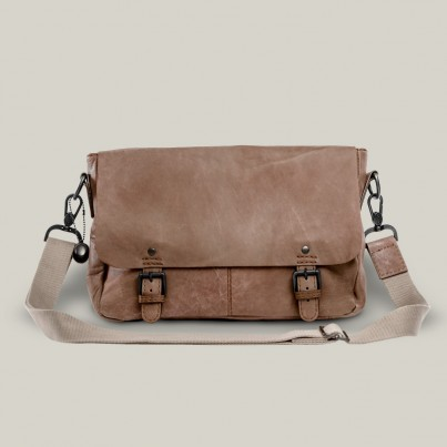 Holmes messenger bag - Destroyed Raw leather