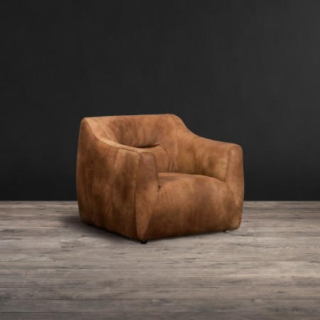 Tyrion chair shown in Safari Nutmeg leather
